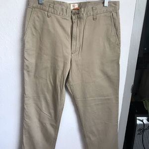 Dockers Classic Fit Men's Khaki Pants
